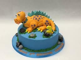 10 Round Cake With Dinosaur Model Childrens Birthday Cakes