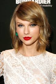 uncanny resemblance the young beauty vlogger s final look bears a striking similarity to taylor swift