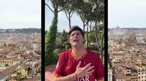 Emoção não falta: Craques, adeptos e Paulo Fonseca cantam hino da AS Roma
