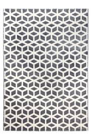 black and white geometric rug. this geometric black and white rug