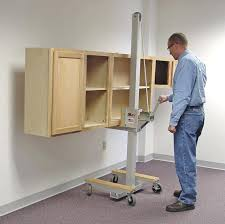 how to install upper kitchen cabinets installing upper kitchen cabinets the installation of kitchen cabinets proper