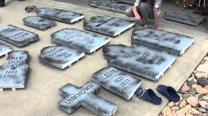 How to Make Cardboard Tombstones | muscle-diet-program.info
