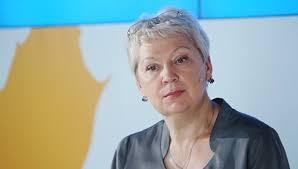 Васильева заявила что аспирантов нужно обязать защищать  Васильева заявила что аспирантов нужно обязать защищать диссертацию