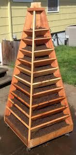 pyramid garden planter plans