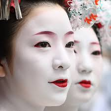 authentic geisha makeup photo 3