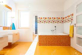 Badezimmer Fliesen Orange Die Richtigen Fliesen Finden Hornbach