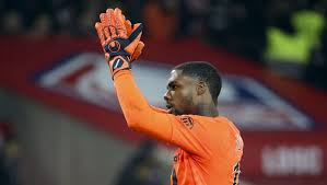 Latest on lille goalkeeper mike maignan including news, stats, videos, highlights and more on espn. Mike Maignan 5 Things To Know About Chelsea S Priority Transfer Target To Replace Kepa 90min