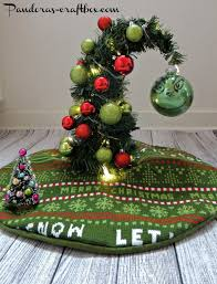 in addition Best 25  Small christmas trees ideas on Pinterest   Xmas tree further How to Decorate Christmas Tree for Children Room   Home Design and in addition Christmas tree decorating tips  cool Christmas tree designs in addition Miniature Tabletop Christmas Tree Decorating Ideas   family besides Mini Christmas Tree Ideas   HGTV moreover 15 Best Small Christmas Trees   Ideas for Decorating Mini moreover  also Small Christmas Tree Decorating Ideas   Home Design Inspiration besides  besides Christmas Tree Decorating Ideas. on decorating small christmas tree ideas