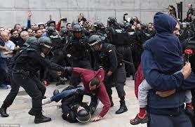 Image result for پلیس اسپانیا صندوقها را مصادره و جداییطلبان را به شدت سرکوب کرد