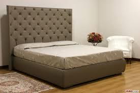 Letto con testiera imbottita ikea: stanza da letto in stile