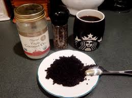 Vitamin e is found in coconut oil and we know that coconut oil is a great antioxidant. Coffee Break Wake Me Up Coffee Black Pepper And Coconut Oil Under Eye Mask Home Grown Elegance