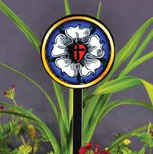 luther rose steel garden stake