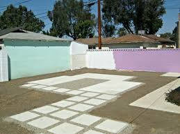painting concrete wallsPainting outdoor concrete walls  Lynda Makara