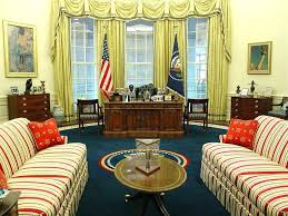 White house oval office desk Chair White House Oval Office Desk Administration Bill White House Oval Office Desk Replica History Company White House Oval Office Desk Administration Bill White House Oval