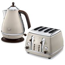Retro Toasters delonghi icona vintage 4 slice toaster and kettle bundle beige 8551 by guidejewelry.us
