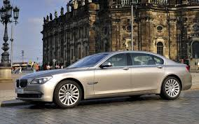 Quality Wallpaper Gallery of The Beautiful BMW 750li Luxury Car
