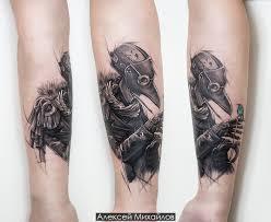 чумной доктор или доктор чума черно белая татуировка