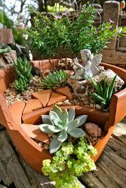 Garden Pots Best 25 Broken Pot Garden Ideas On Pinterest Fairy Garden Pots