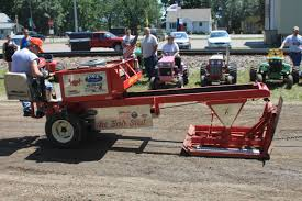 file tractor pulling sled jpg