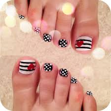 Red Black and White toe Nail Designs