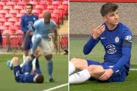 Watch Fernandinho escape punishment despite appearing to aim studs at Mason  Mount's face in Man City's clash vs Chelsea