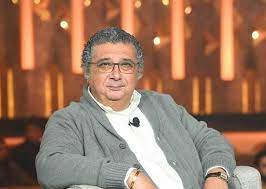 فيديو) سبب ضرب محمود حميدة لـ ماجد الكدواني علقة موت في الشارع