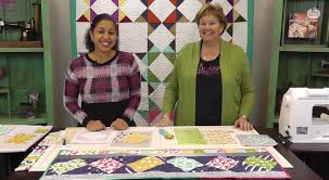 Twist 10 Table Runner Tutorial with Jenny Doan of Missouri Star ... & twist 10 table runner with MSQC Adamdwight.com