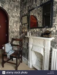 Schwarz Weiss Portrait Themed Tapeten Im Schlafzimmer Mit Antiker