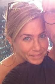jennifer aniston is going makeup free in her uping cake and her skin looks absolutely amazing get our advice on the skin care routine