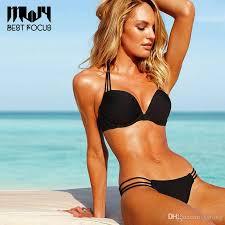 Hot women in bikini pic