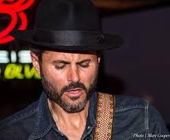 Obrazy Muž človek Vlasy Noc Gitara Muž Klobúk účes Fúzy