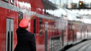Hintergrund ist ein tarifkonflikt zwischen der deutschen bahn (db) und der gewerkschaft. Deutsche Bahn Lokomotivfuhrer Drohen Mit Streik Wirtschaft Sz De