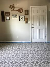 learn how to prep paint and stencil a linoleum kitchen floor using the abbey tile