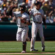 Giants like hitting pinch hit home runs ...