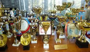 Диалог Конверсия Впервые были представлены новинки наградной атрибутики с российской и региональной символикой для российского спорта кубки медали декоративные тарелки