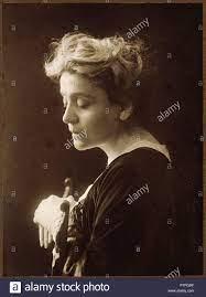 Eleonora Duse. Um 1910 260 Mario Nunes Vais Eleonora Duse Stockfotografie -  Alamy