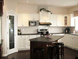 Kitchen Feature Wall Paint Kitchen Sink Paint The Primer And Color Coats Have Been Painted