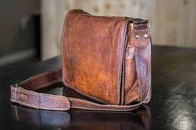high on leather vintage brown messenger bag dsc 0008