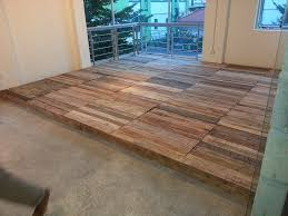 Recycled Pallet Flooring - DIY | 99 Pallets