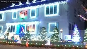 Let It Go Christmas Light Show Christmas Lights Street Show With 100 000 Lights In Coram Ny