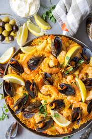 Spanish Seafood Paella - Yummy Addiction