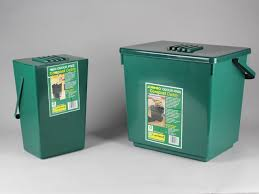 odourless kitchen compost caddy with filter