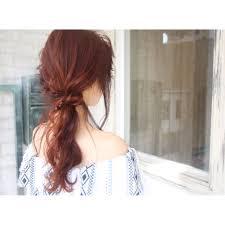 ロングの髪型マンネリしてないアレンジ取り入れて後ろ姿も美人にな