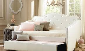 Full Size of Daybed:daybed Tufted Oversize Daybed With White Upholstery  Tufted Headboard And Additional ...