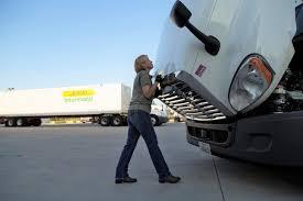Jb Hunt Intermodal Woman Driver Finds Value In J B Hunts Women In Trucking