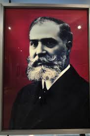 José Lázaro Galdiano nació en la localidad navarra de Beire en el año 1862. Hijo de una familia adinerada, cursó estudios de Derecho en Valladolid, ... - jose-lazaro-galdiano