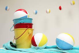 Beach Ball Decoration Ideas DIY Beach Ball Garlands for Summer Pool Parties Beach ball 73