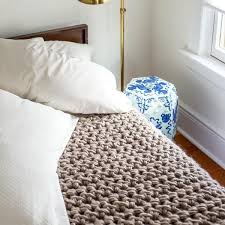 How To Make A Throw Blanket By Hand
