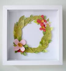 1 leaf shaped fl wreath diy idea great for a bridal party with everyone s