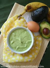 the all natural ings found in this diy beauty treatment avocado banana hair mask help to moisturize your hair and scalp add shine and repair
